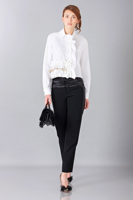 Camicia bianca con rouches