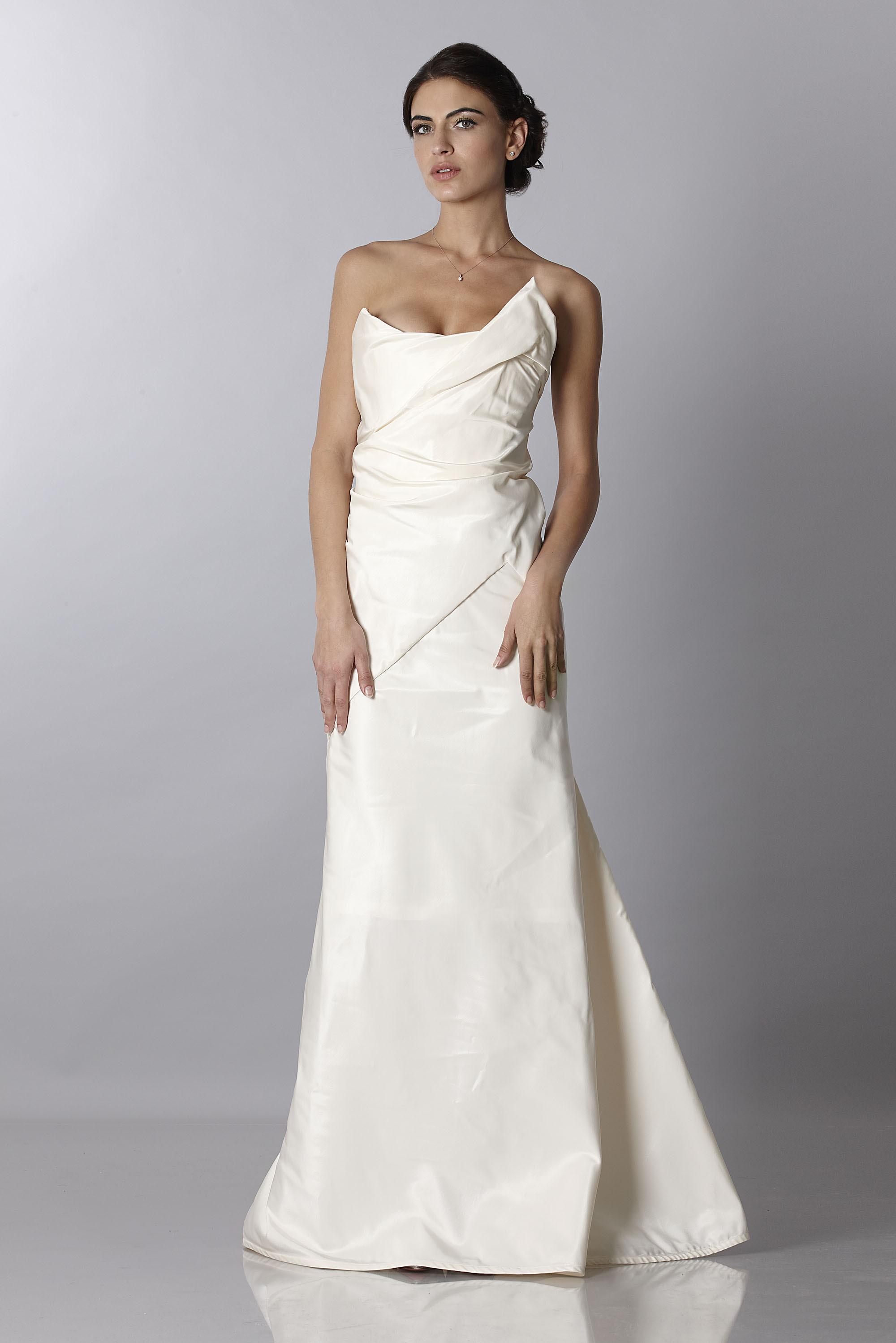 Drexcode - Vivienne Westwood Wedding dress | Rent luxury dress